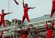 Рождённая летать: Элизабет Стреб против гравитации / Born to Fly: Elizabeth Streb vs. Gravity 3