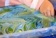 Семейный мастер-класс по живописи на воде «На одной волне» 1
