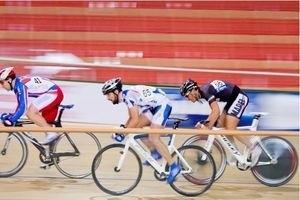 Рождественская гонка по велоспорту на треке 11430