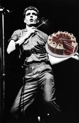 Ian Curtis BDay Party: Pogodina+Scarlett