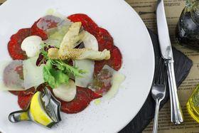 """Готовим мясной, вегетарианский и рыбный сет с шеф-поваром """"Ресторации Контрабас"""" Артемом Осипчиком."""