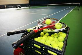 Забронируйте удобное для Вас время на закрытых теннисных кортах клуба WIMC