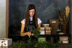 VETKA-KVETKA flowerschool — обучающие курсы по флористике и дизайну.