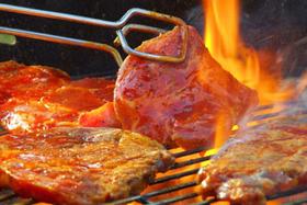 Блюда для праздничного стола, вкусного ужина дома без труда организует кафе «Старый причал»