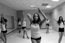 Успей занять место в группе по танцам на новый сезон со скидкой!
