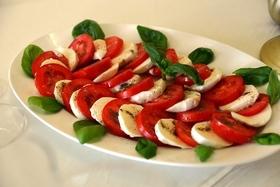 """Итальянская закуска """"Капрезе"""" в нашем меню!"""
