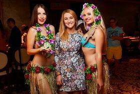 «Виктория Черри» отпраздновало середину лета в пляжном виде