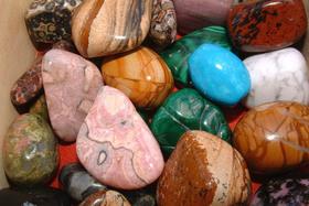 SPA для лица охлажденными полудрагоценными камнями и для тела теплыми ониксовыми сферами