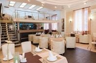 У фонтана - Ресторан, гостиничный комплекс
