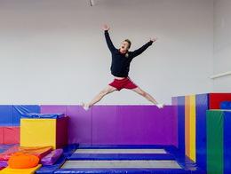 Акция «С понедельника по воскресенье с 10.00 до 12.00 прыгай два часа всего за 6 рублей»