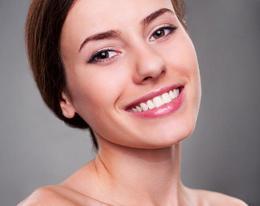 Акция «Обновление кожи «Гринс» + окрашивание или коррекция бровей в подарок»