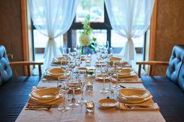 Скидки на проведения мероприятий постоянным клиентам ресторана «Husaria»