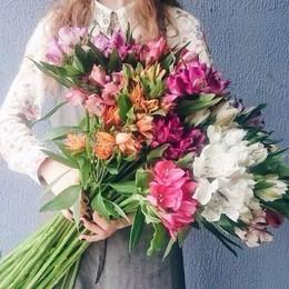 Скидка от 10% на живые цветы для юридических лиц