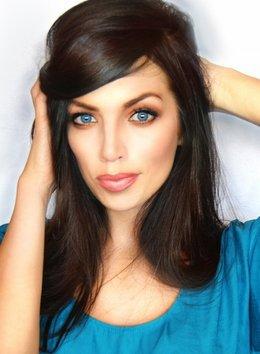 Акция «Прическа и макияж на выпускной вечер  всего за 820 000 руб»