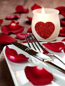 Акция «В честь Дня всех влюбленный–обед за пол цены»