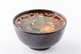 В подарок мисо-суп каждому гостю