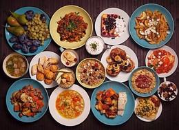 Кафе и рестораны Cкидка 30% на основное меню в будни с 14.00 до 17.00 До 31 декабря