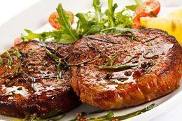 Скидка 50% на стейк из свинины каждое воскресенье