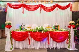 Акция «При заказе свадьбы от 50 человек - скидка 50% на оформление зала»