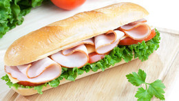 Скидка 50% на бургеры и сэндвичи