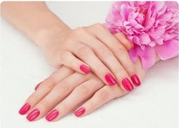 Массаж рук и покрытие ногтей лаком в подарок