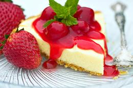 Акция «При заказе горячего блюда - десерт в подарок»