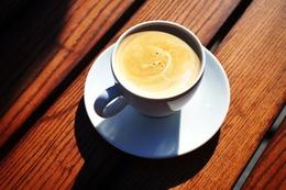 Акция «При заказе одной чашки кофе - вторая в подарок»