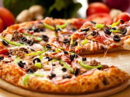 Акция « При заказе 2-х пицц, бутылка кока - колы в подарок»
