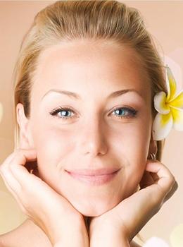 Скидка 40% на косметический массаж лица, шеи и декольте