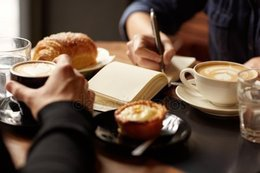 Кафе и рестораны Акция «При заказе бизнес-ланча — кофе в подарок» До 1 мая