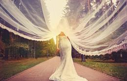 Скидка 1 млн.руб. на пошив свадебного платья + подарки