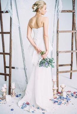 Акция «При заказе свадебной съемки (пакета услуг от восьми часов) — съемка love-story с 20%-ной скидкой»