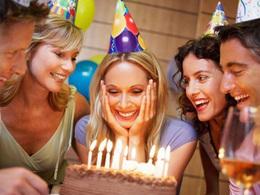 Скидка 10% имениннику в честь Дня рождения и его гостям.