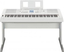 Скидка 13% на цифровое пианино Yamaha DGX-650 WH