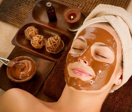 Скидка 40% на шоколадный косметический массаж лица, шеи и декольте + шоколадная крем-маска