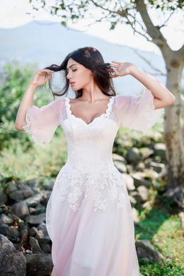 Акция «Распродажа! Только до конца октября, только 8 моделей свадебных платьев по 160 рублей в покупку!»