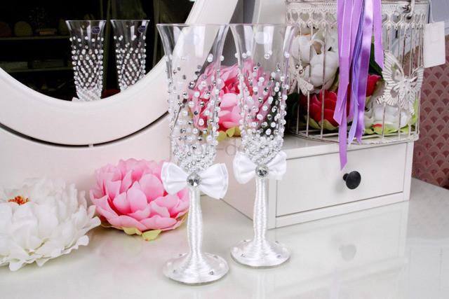 Как украсить своими руками свадебный бокал