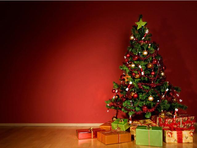 Со словами поздравления и шуточные подарки на новый год