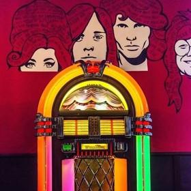 6 мест в Минске, где есть музыкальный автомат
