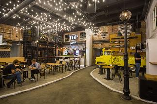 Бары, кафе и рестораны: в здании завода «Горизонт» открылся «ГастроДвор»