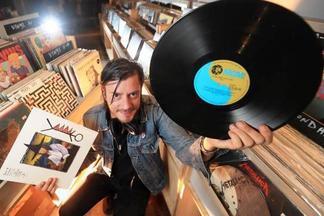 Найти сокровища минских диджеев и коллекционеров винила: на Зыбицкой пройдет ярмарка Vinyl Market
