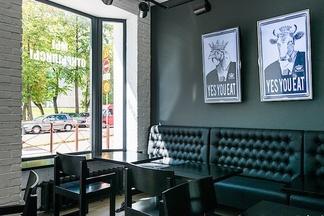 В Минске открылось кафе Royal Kebab&salad, где предлагают шаурму от сирийского шеф-повара