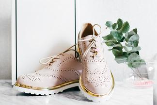 На работу, прогулку по городу и свидание. 60 пар обуви, которые будут актуальны этой весной