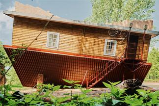 Новое место: «Дукорскі маёнтак» — конкурент «Дудуткам» с перевернутым домом