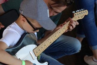Музыкальная школа JAM набирает детей на индивидуальные занятия