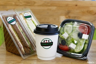 Рядом с метро «Институт культуры» открылось street-food кафе с едой навынос и травяными чаями