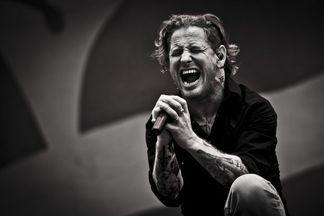 Без маски. В Минск впервые приедет с концертом лидер группы Slipknot