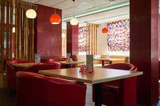 Шедевры восточной кухни в современном интерьере. На Каменной Горке открылась «Чайхана Хайям» с кальянами и живой музыкой