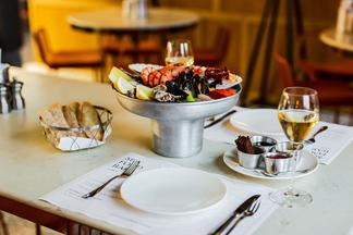 Хотите попасть на бесплатный ужин в SeaFoodBar by John Dory? Рассказываем, что нужно делать