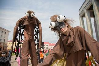 200 артистов, 5 000 зрителей: как прошел масштабный арт-карнавал в центре Минска